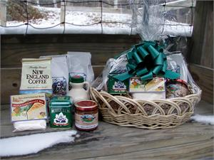 VT Gift Basket - Vermont Sugar and Spice Maple Syrup - PancakesMore